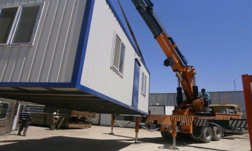 Gebze Anadolu Yakasında Konteyner nakliye sistemimizle konteynerlerin, çıkış noktasından teslim noktasına kadar her alanda verimli ve güvenli bir biçimde nakledilmesini yüklenmesini ve boşaltmasını sağlıyoruz.
